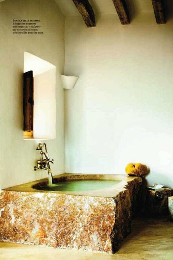 22 Natural Stone Bathtubs Emphasizing Their Spatialities homesthetics cool bathrooms (5)