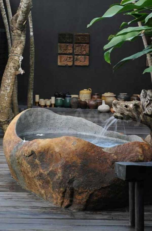 22 Natural Stone Bathtubs Emphasizing Their Spatialities homesthetics cool bathrooms (6)