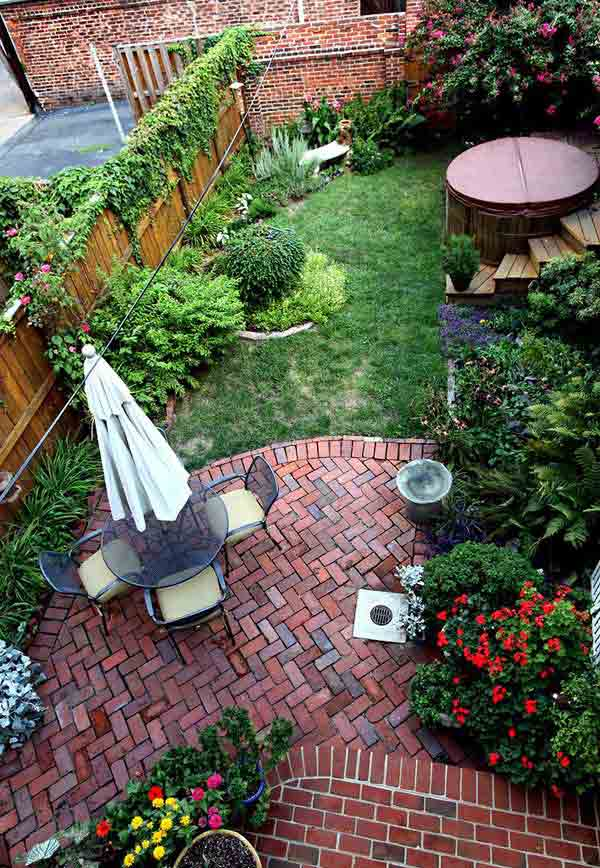 23 Simple Beautiful Small Backyards Presenting Spaciousness and Warmth homesthetics designs (3)