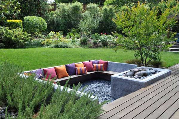 23 Simply Impressive Sunken Sitting Areas For a Mesmerizing Backyard Landscape homesthetics decor (11)