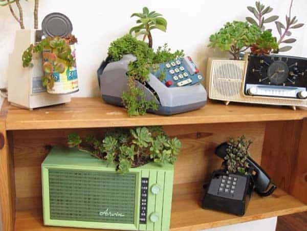 24 Highly Creative Yet Inexpensive Recycled Flower Pots For Your Household homesthetics decor (1)