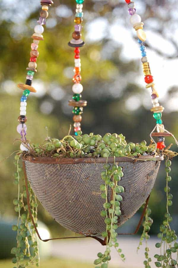 24 Highly Creative Yet Inexpensive Recycled Flower Pots For Your Household homesthetics decor (12)