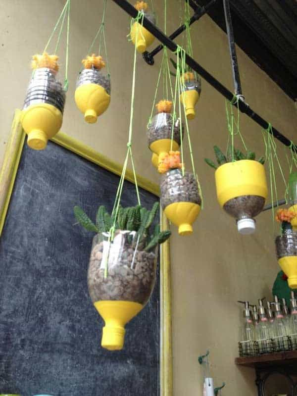 24 Highly Creative Yet Inexpensive Recycled Flower Pots For Your Household homesthetics decor (14)