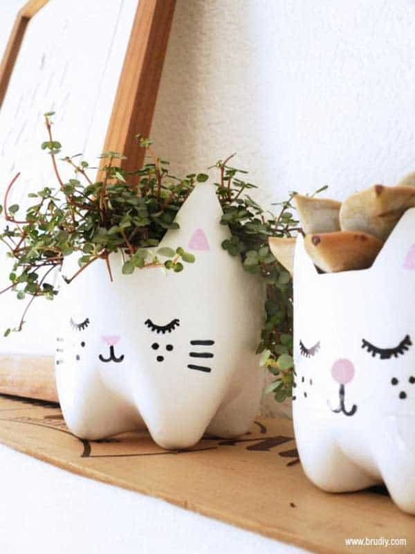 24 Highly Creative Yet Inexpensive Recycled Flower Pots For Your Household homesthetics decor (8)