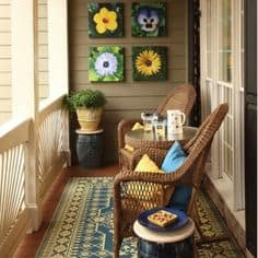 26 Mesmerizing And Welcoming Small Front Porch Design Ideas (23)