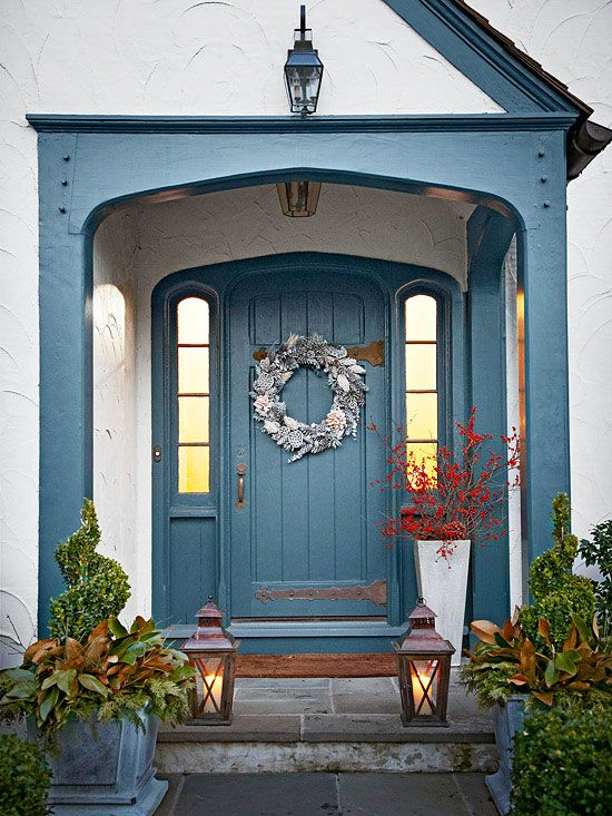 26 Mesmerizing And Welcoming Small Front Porch Design Ideas (7)