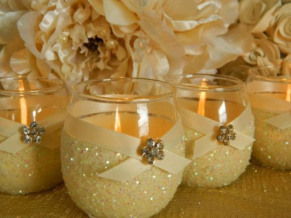17 Do-it-yourself Elegantly Made Centerpieces For A Winter Wedding (13)
