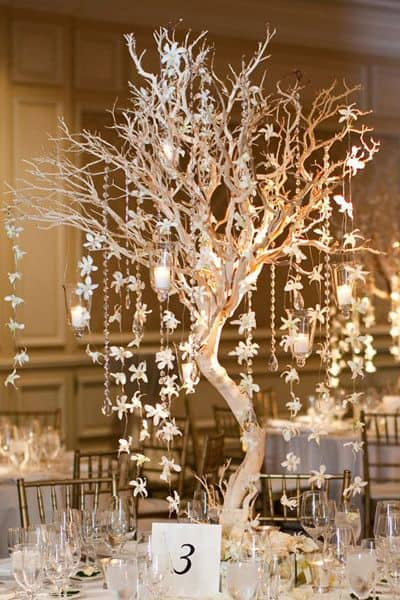 17 Do-it-yourself Elegantly Made Centerpieces For A Winter Wedding