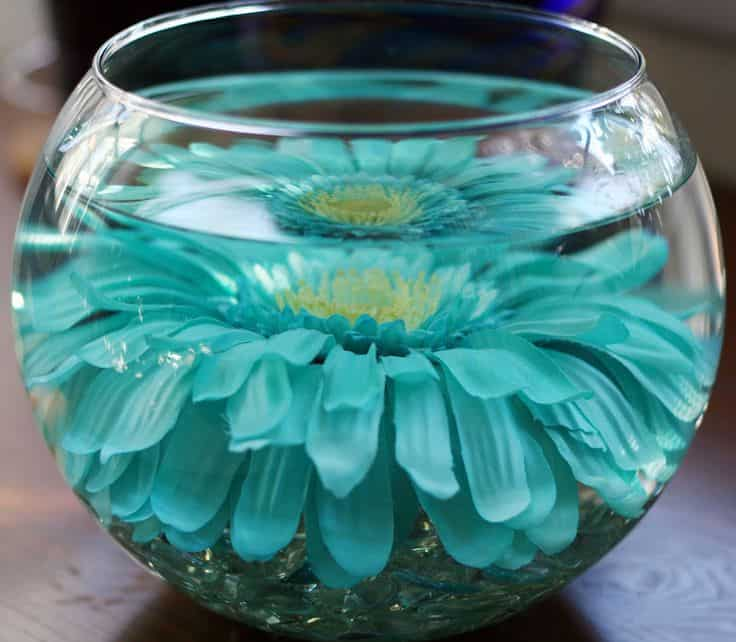 17 Do-it-yourself Elegantly Made Centerpieces For A Winter Wedding (5)