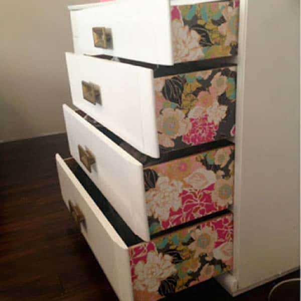 27 Super Cool Furniture Transformations Done With Wallpaper homesthetics decor (16)