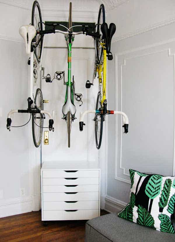 27 Design Ideas on How to Decorate With Bycicles in Your Household homesthetics decor (27)