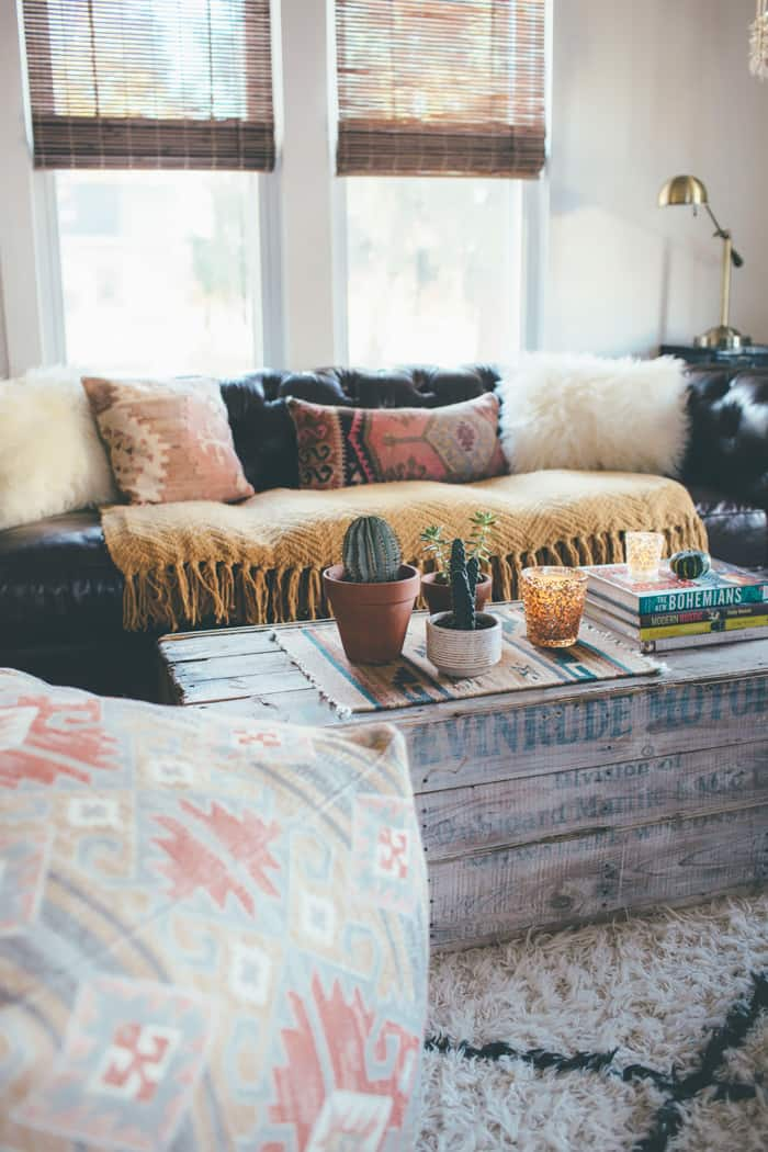 16. AN OLD LARGE CRATE CAN BECOME THE FOCUS POINT OF YOUR BOHEMIAN INTERIOR