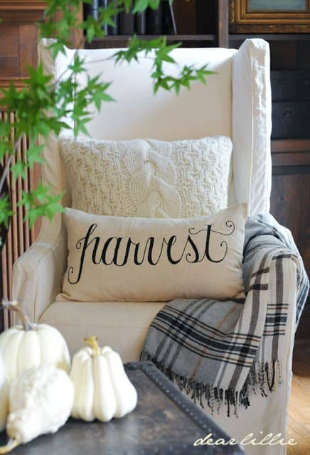 Greet Autumn With Cozy Scented Warm Home Decor Ideas-Homesthetics (18)