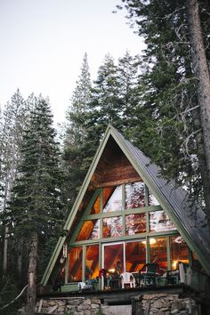 Surreal Log and Wood Cabins Exposed To The Wilderness-homesthetics (9)