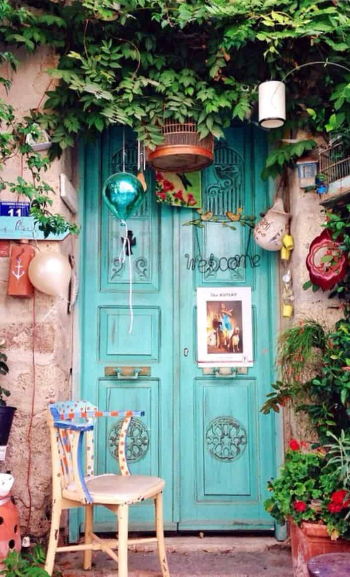 Top 20 Out Of This World Door Designs-homesthetics (1)