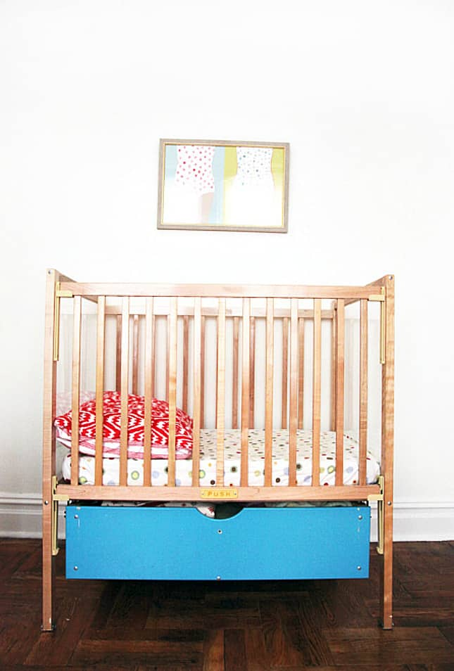 12 Ingenious Space Saving Tips and Tricks For Small Nursery homesthetics design (7)