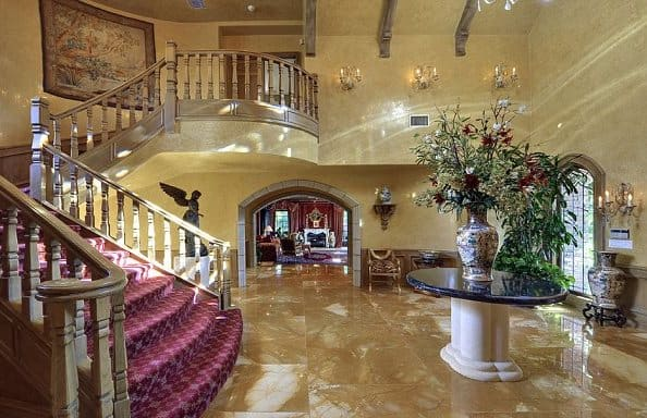 16 Awesome Mansion Staircases Perfect For Your Dream Home (18)