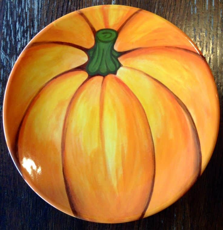 #8 A HALLOWEEN PLATE MADE FROM POTTERY PAINTING