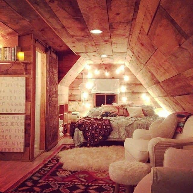 21 Fun And Interesting Ways To Turn An Old Attic Into A Decorative Functional Room : attic into bedroom - Aeropaca.Org
