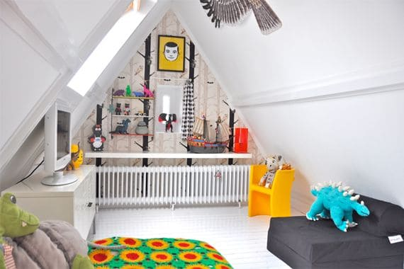 21 Fun And Interesting Ways To Turn An Old Attic Into A Decorative Functional Room (5)