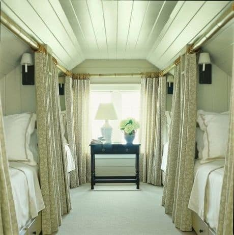 21 Fun And Interesting Ways To Turn An Old Attic Into A Decorative Functional Room (9)