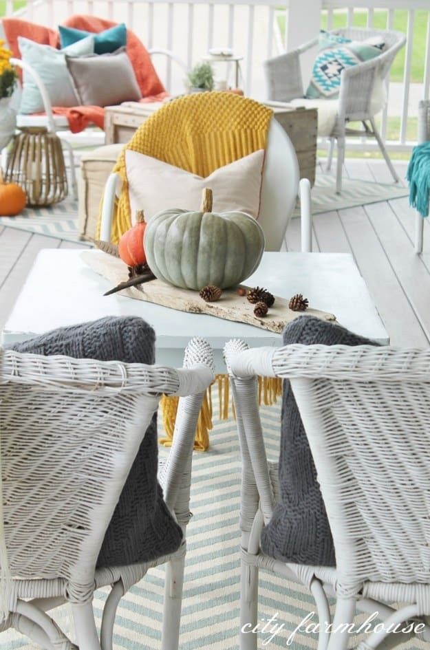 21 Autumn Porch Ideas That Will Make You The Envy Of Your Neighbors (18)
