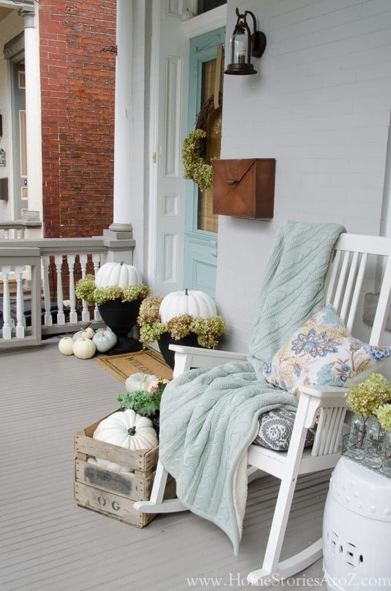 21 Autumn Porch Ideas That Will Make You The Envy Of Your Neighbors (3)
