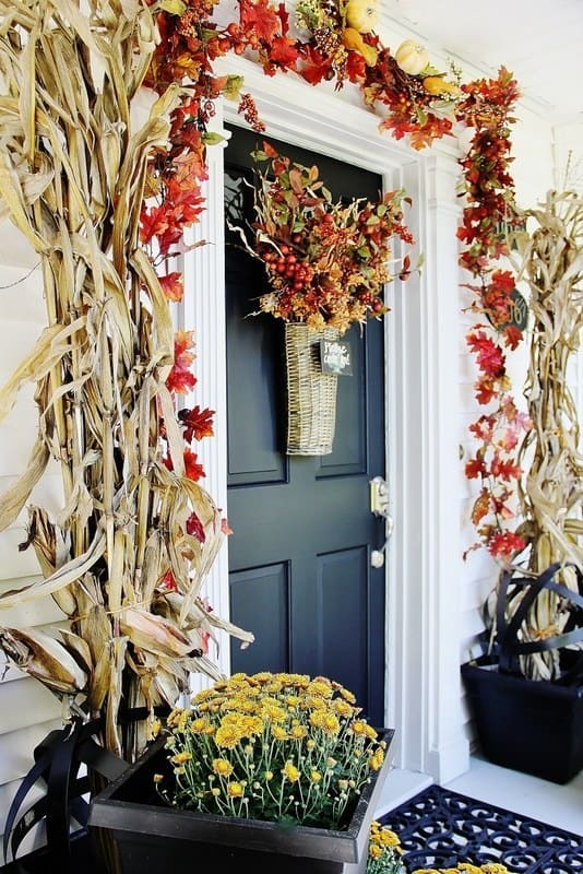 21 Autumn Porch Ideas That Will Make You The Envy Of Your Neighbors (6)