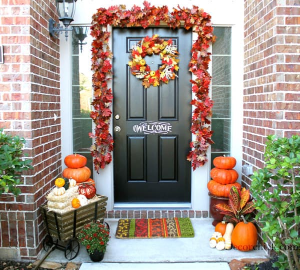 21 Autumn Porch Ideas That Will Make You The Envy Of Your Neighbors (7)
