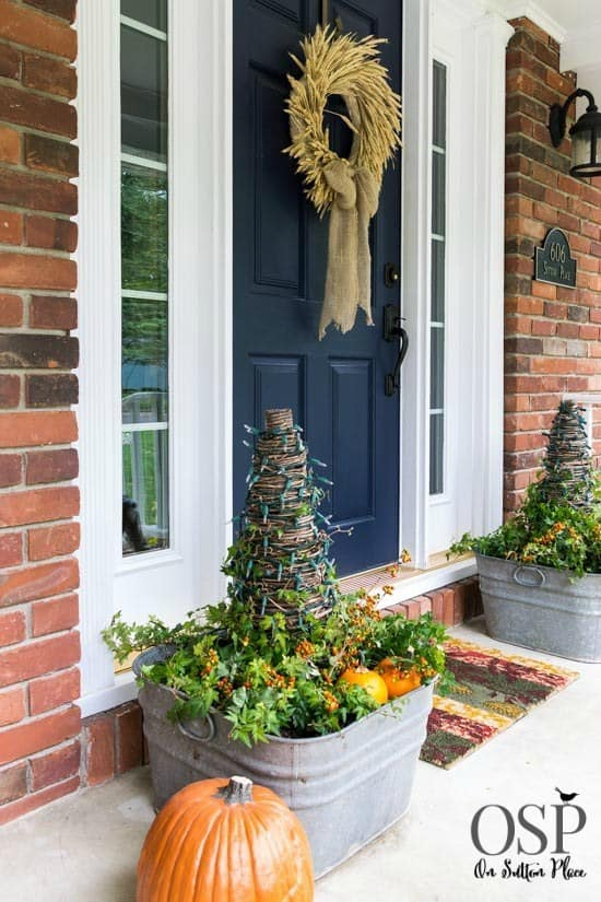 21 Autumn Porch Ideas That Will Make You The Envy Of Your Neighbors (9)