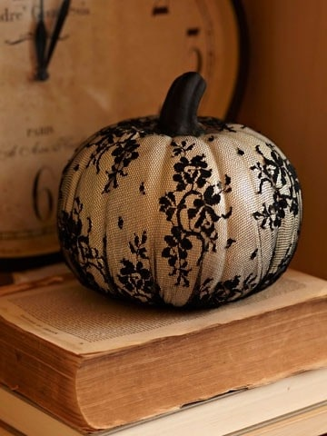 21 Charming White Pumpkin Fall Decorations For Your Household homesthetics decor (17)