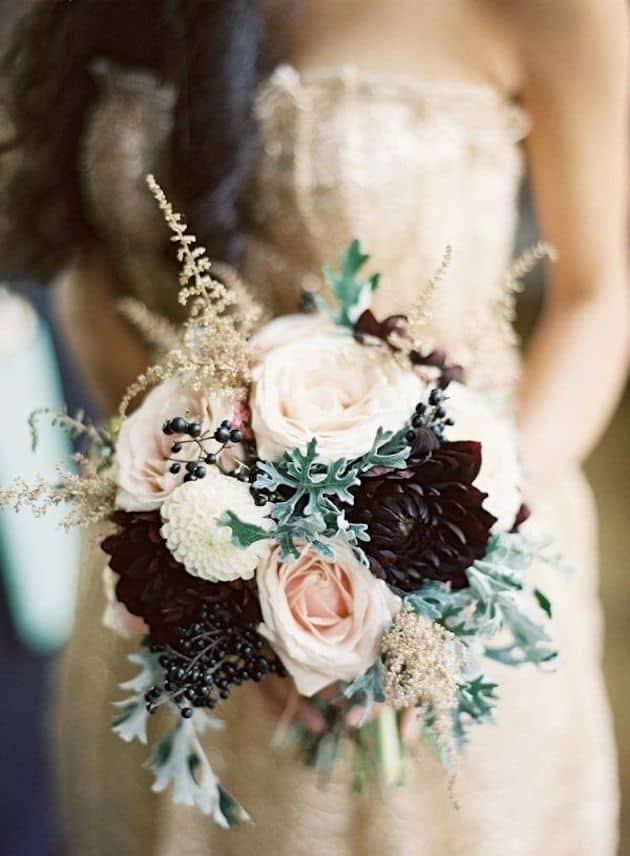#21 winter bridal bouquet