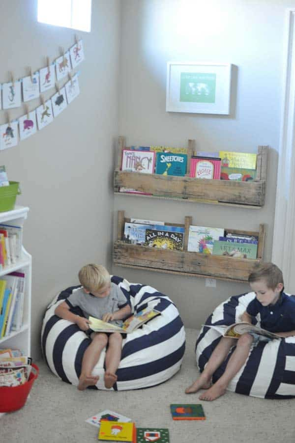 #9 USE WOODEN PALLETS TO SHELTER A SMALL KID LIBRARY