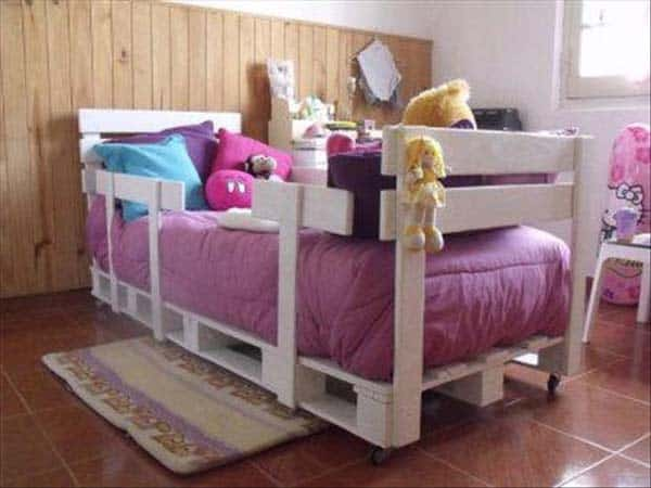 #21 A NEAT SMALL BED CAN BE REALLY FLUFFY