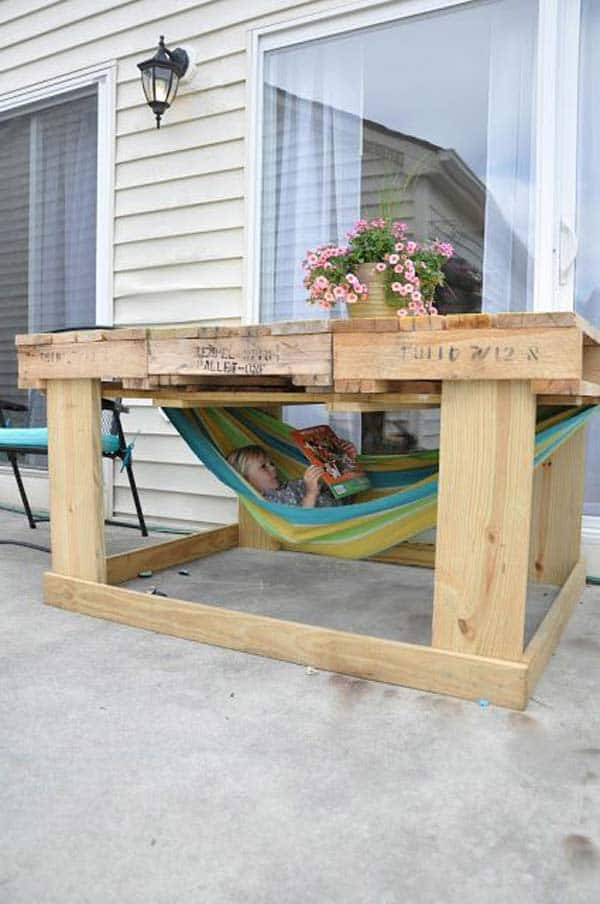 #23 OR EQUIP AN OUTDOOR DINNING TABLE WITH A SMALL HAMMOCK