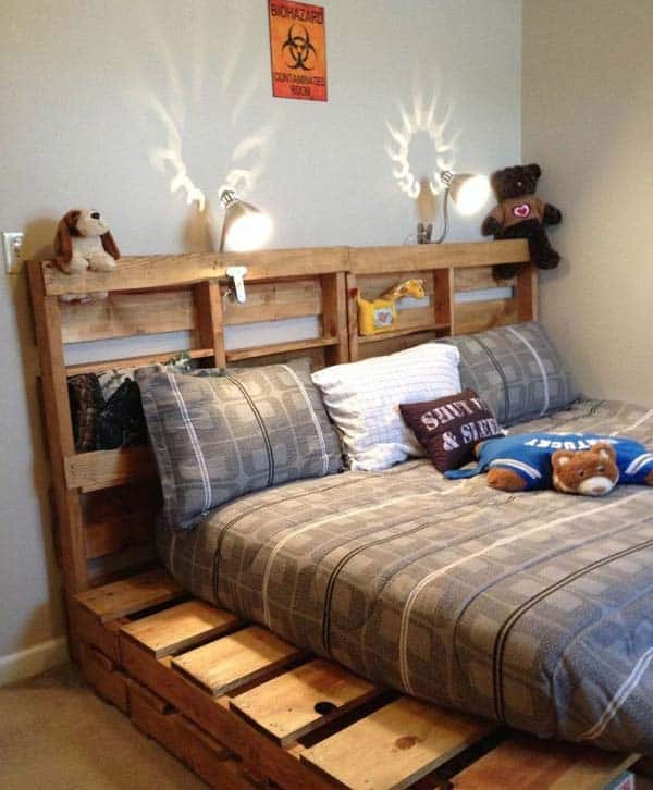 #25 YOU CAN CREATE A FULL SIZE BED FOR KIDS OUT OF WOODEN PALLETS