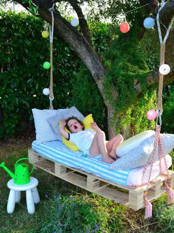 #7 A SWING BED OUTDOORS CAN BE ENCHANTING