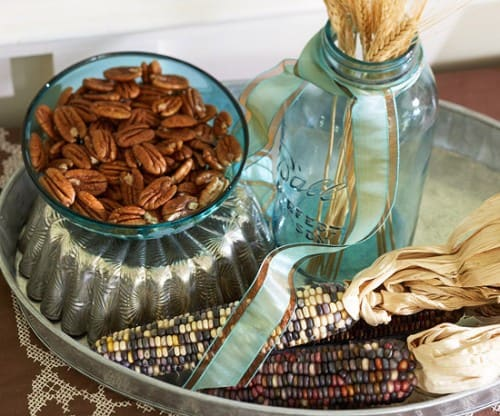 30 Thanksgiving Centerpieces Ideas For Your Home Decor This Fall (10)