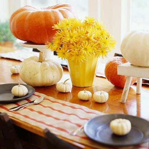 30 Thanksgiving Centerpieces Ideas For Your Home Decor This Fall (15)