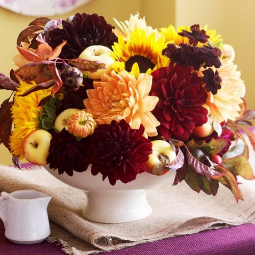 30 Thanksgiving Centerpieces Ideas For Your Home Decor This Fall (21)