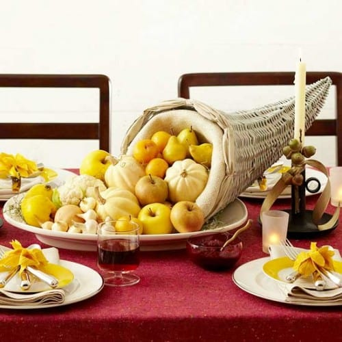 30 Thanksgiving Centerpieces Ideas For Your Home Decor This Fall (3)
