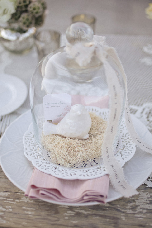 32 Simply Breathtaking Cloche and Bell Jar Decorating Ideas For Magical Weddings homesthetics decor ideas (10)