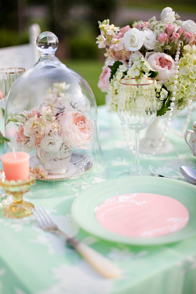 32 Simply Breathtaking Cloche and Bell Jar Decorating Ideas For Magical Weddings homesthetics decor ideas (14)