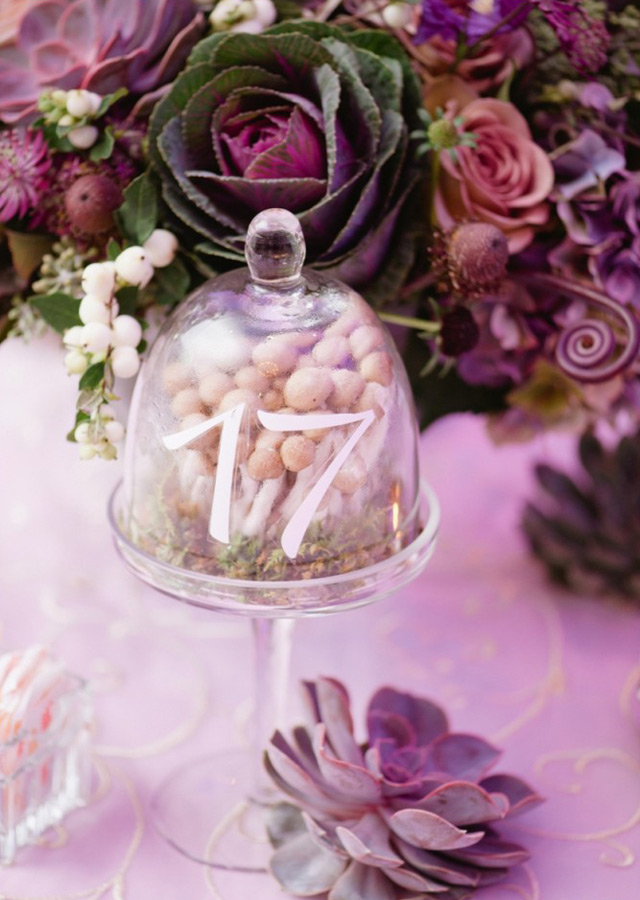 32 Simply Breathtaking Cloche and Bell Jar Decorating Ideas For Magical Weddings homesthetics decor ideas (20)