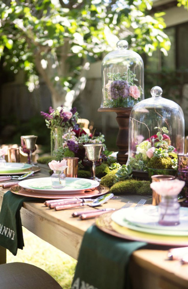 32 Simply Breathtaking Cloche and Bell Jar Decorating Ideas For Magical Weddings homesthetics decor ideas (22)