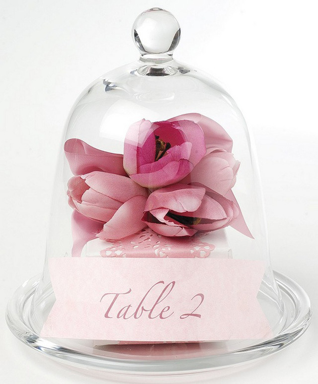 32 Simply Breathtaking Bell Jar and Cloche Decorating Ideas For Magical Weddings homesthetics decor ideas
