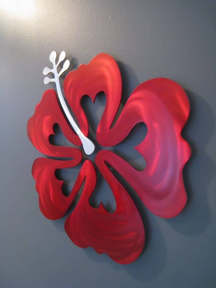 #34 HUGE 3D WALL FLOWER FOR A BLANK WALL WHICH WILL BLEND WELL WITH THE BACKGROUND COLOR
