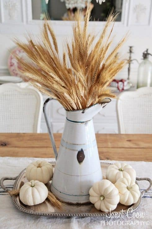 Charming Fall DIY Centerpieces Projects Ready to Beautify Your Home homesthetics decor (14)