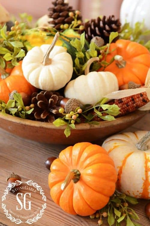 Charming Fall DIY Centerpieces Projects Ready to Beautify Your Home homesthetics decor (16)