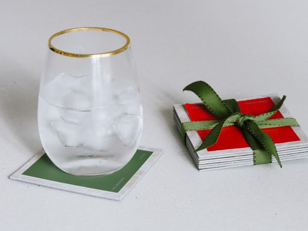 Fun And Simple Ways To Make DIY Coasters That You Can Actually Use (3)